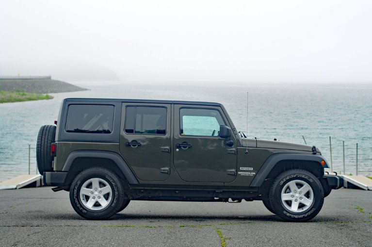 Used 2015 Jeep Wrangler Unlimited Sport